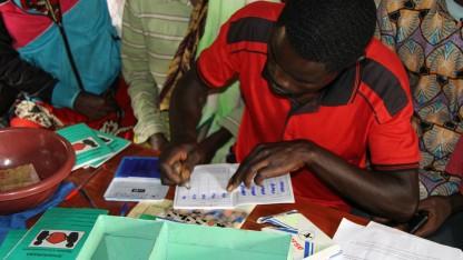 DUKUNDANE – Lad os være venner! Mikrofinans, når det er bedst